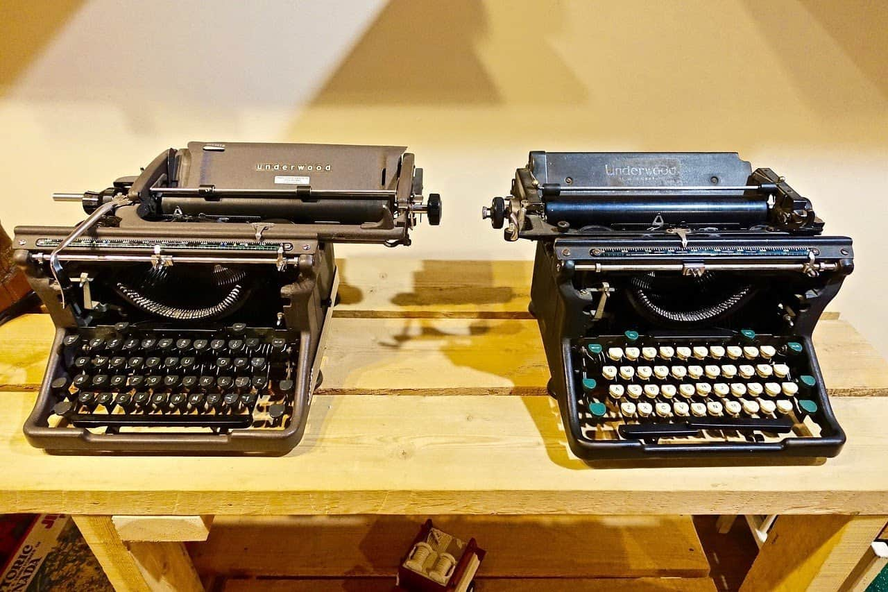 typewriters 1679812 1280