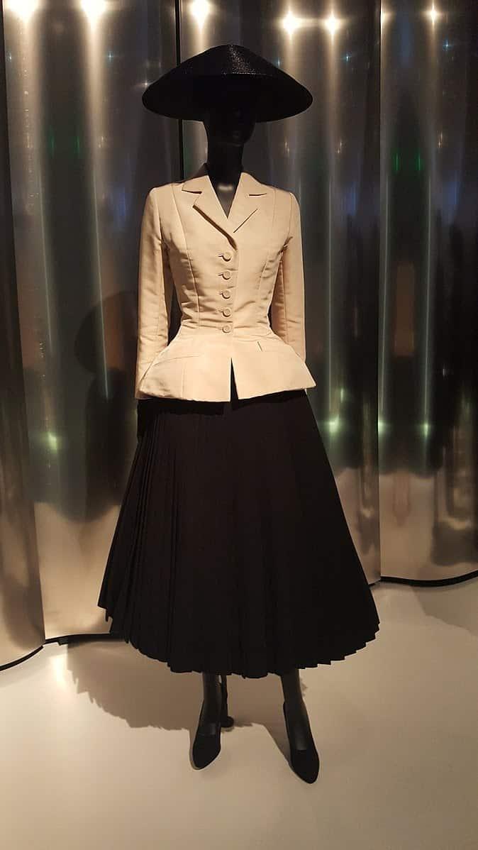 674px Dior denver art1