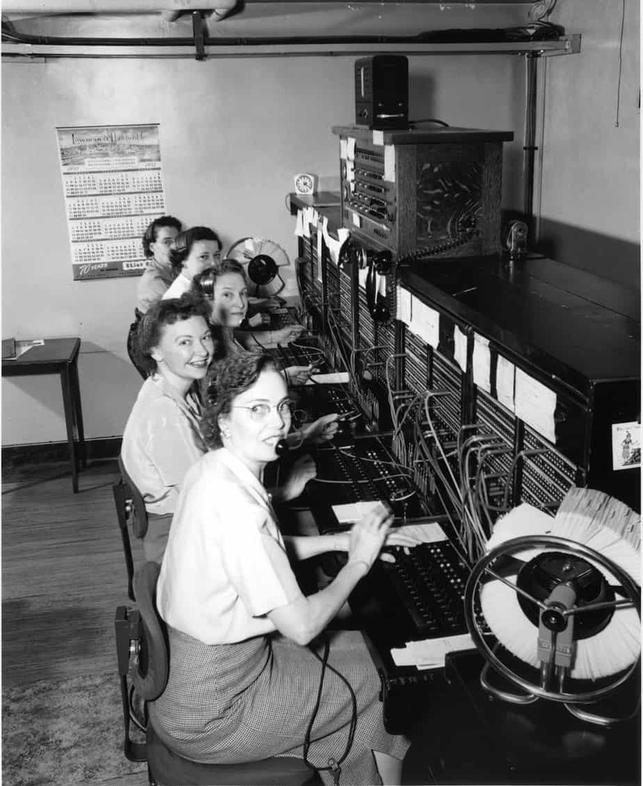 Telephone operators 1952 1